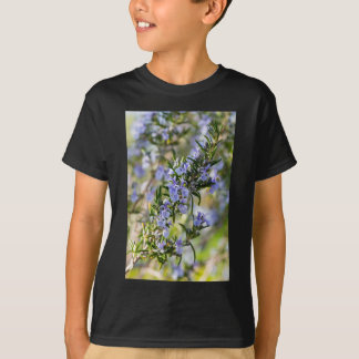 Makro Rosemary-Blüte im Frühjahr T-Shirt