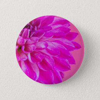 Makrobild der Blumendahlie auf rosa backgroun Runder Button 5,1 Cm