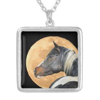 Malen Sie Pferde-und Vollmond-Halskette Versilberte Kette