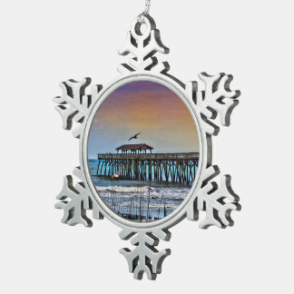 Malerei des Piers bei Myrtle Beach - Schneeflocke Schneeflocken Zinn-Ornament