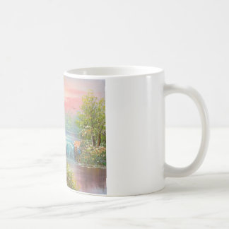 Malerei von einem bewaldeten Fluss am Kaffeetasse
