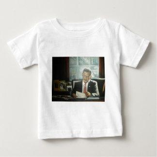 Malerei von Präsidenten Obama durch Hirsch Baby T-shirt