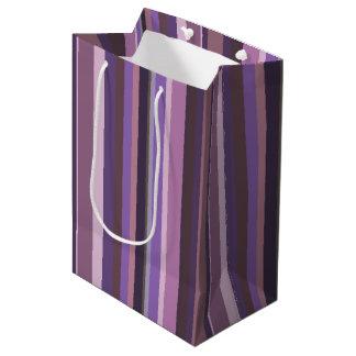 Malvenfarbene vertikale Streifen Mittlere Geschenktüte