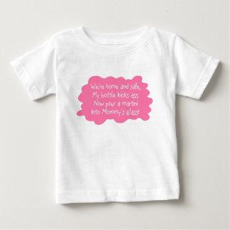 Mama benötigt ein besonders angefertigtes baby t-shirt