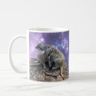 Mama Meerkat und Welpe, Kaffeetasse