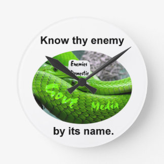 Mamba-Schlange - kennen Sie Thy Feind durch seinen Runde Wanduhr