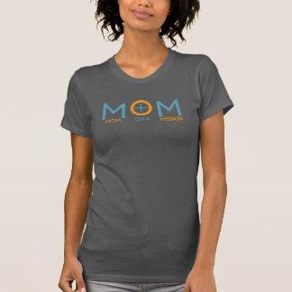 Mamma auf einem Racerback T der Auftrag-Frauen T-Shirt