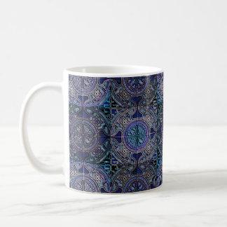MANDALA DECKT Blau des SCHACHBRETTES 3D Delft mit Kaffeetasse