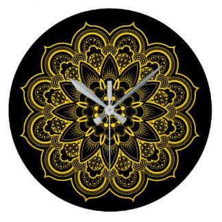 Mandala im Gold und im Schwarzen Große Wanduhr
