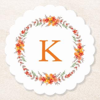 Mandarineorange Blumenwreath-Monogramm-Hochzeit Untersetzer