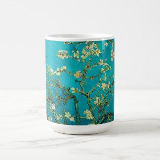 Mandelbaum-Blumenkunst Vincent van Goghs blühende Kaffeetasse