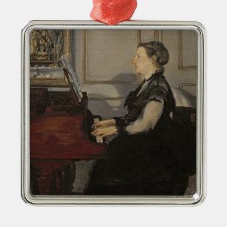 Manet | Madame Manet am Klavier, 1868 Quadratisches Silberfarbenes Ornament