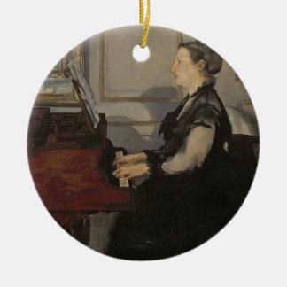 Manet | Madame Manet am Klavier, 1868 Rundes Keramik Ornament