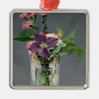 Manet | Rosa und Clematis in einem KristallVase, Quadratisches Silberfarbenes Ornament