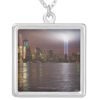 Manhattan-Skyline 2 Versilberte Kette