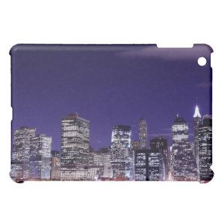 Manhattan-Skyline an den Nachtlichtern, NYC iPad Mini Hülle