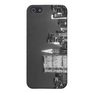 Manhattan-Skyline an den Nachtlichtern, NYC iPhone 5 Etui
