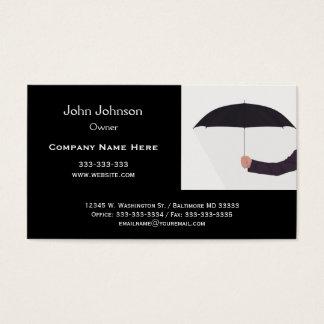 Mann, der Regenschirm-Schwarz-weißes berufliches Visitenkarte