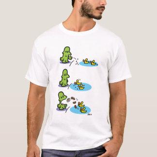 Mann füttert Enten, Enten füttern Mann T-Shirt