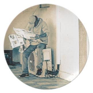 Mann-Lesepapier Teller