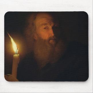 Mann mit einer Kerze Mousepad