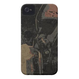 Mann mit Schutzmaske auf dunklem Metallplatten Case-Mate iPhone 4 Hüllen