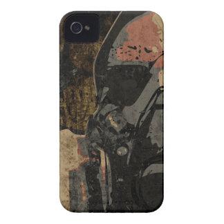 Mann mit Schutzmaske auf dunklem Metallplatten iPhone 4 Case-Mate Hülle