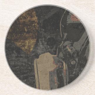Mann mit Schutzmaske auf dunklem Metallplatten Untersetzer