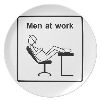 Männer an work.ai teller