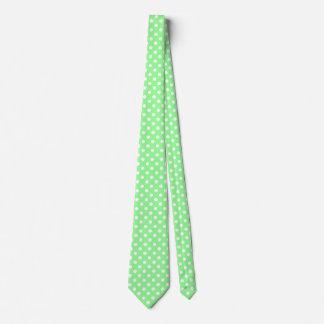 Männer weiß und tadellose grüne Krawatte