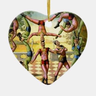 Männliche Akrobaten Keramik Ornament