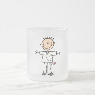 Männliche Strichmännchen-Krankenschwester-T-Shirts Mattglastasse