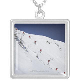 Männlicher Skifahrer Versilberte Kette