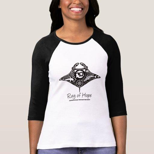 Mantarochen der Raglan-Schwarz-der Grafik der Frau Hemd
