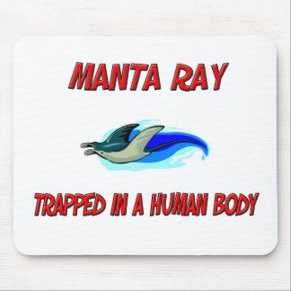 Mantarochen eingeschlossen in einem menschlichen mousepad