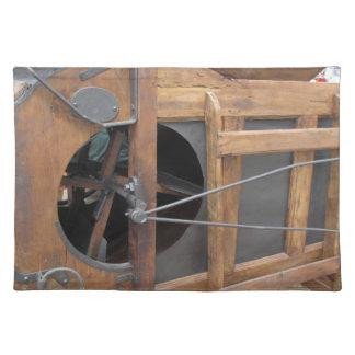 Manuelle Maschine benutzt zur Muschel der Mais Stofftischset