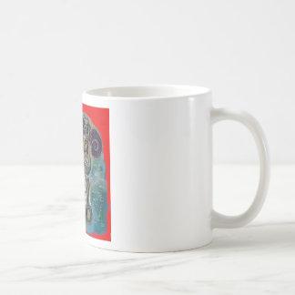 Margarita wickelte im ewigen Wasser ein Kaffeetasse
