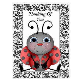 Marienkäfer, der an Sie Postkarte denkt