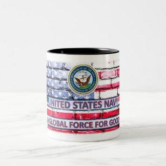 """Marine """"eine globale Kraft für gute"""" Flagge-Schale Zweifarbige Tasse"""