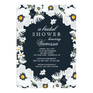 Marine-und weiße Gänseblümchen-Einladung Karte