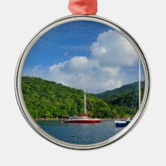 Martinique Rundes Silberfarbenes Ornament