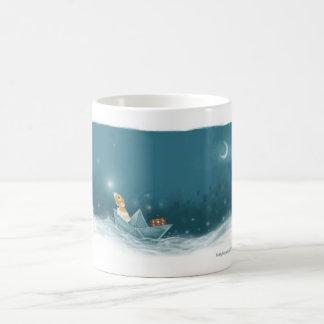 Marty segelt auf Abenteuer in seiner Fantasie Kaffeetasse