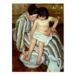 Mary Cassatts das Bad des Kindes (circa 1892) Postkarten