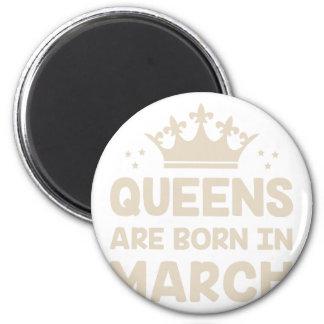 März-Königin Runder Magnet 5,7 Cm