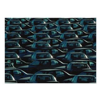 Masse der importierten Autos im Speicherdepot Tor Individuelle Ankündigung