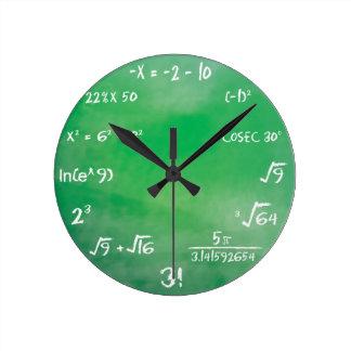 Mathe-Quiz - Sheldon Fassbinder-Uhr Runde Wanduhr