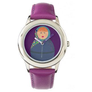 Matryoshka russische Puppen-moderner bunter Uhr