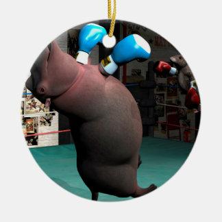 Maus schlägt Flusspferd KO Keramik Ornament