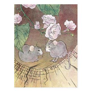 Mäuse im Klotz mit Rosen Postkarte