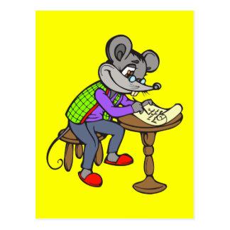 Mäuseschreibens-Buchstabe Postkarte